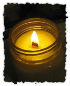 Medium wood wick candle first burn